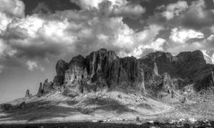 superstition-mountains-saija-lehtonen